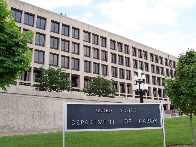 Departamentul Muncii propune o nouă regulă de protecție religioasă a contractorilor federali
