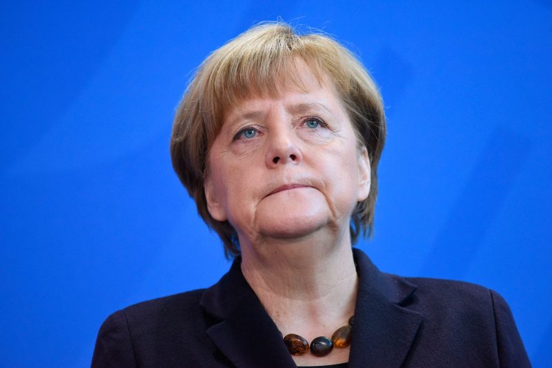 """Merkel admite că multiculturalismul german este un """"eşec total"""""""