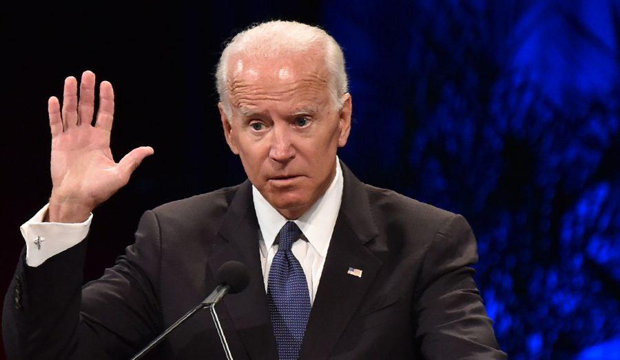 """Biden: """"Poate că Republicanii au standarde, dar noi avem duble standarde"""" (satiră)"""