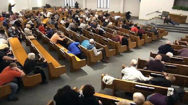 Texas: Atac armat într-o biserică transmis live pe internet