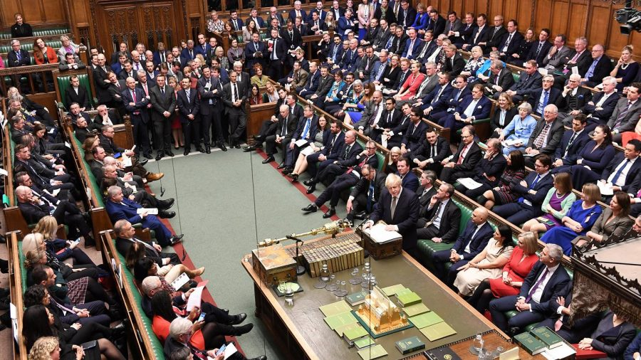 Breaking News: Camera Comunelor din UK a adoptat oficial Brexitul