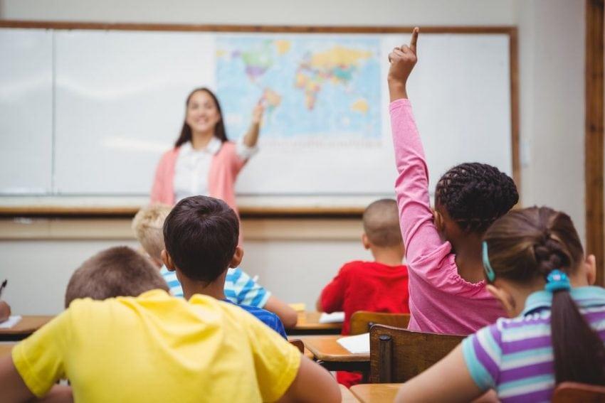 Illinois cheltuie cu 30%-50% mai mult decât alții pentru educație, dar cu rezultate educaționale mai slabe