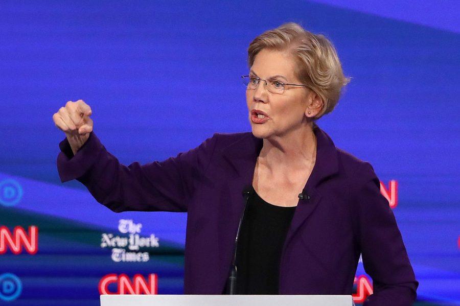 Elizabeth Warren atacă școlile creștine pentru principiile lor morale