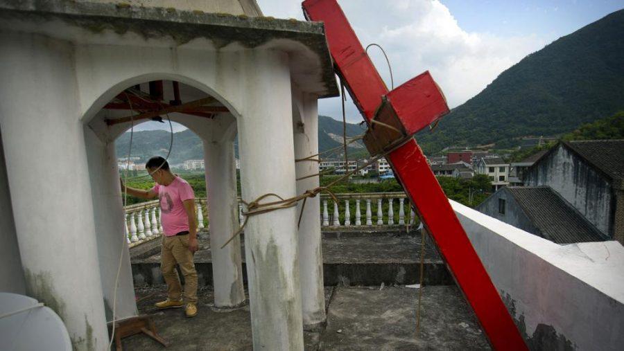 În ciuda coronavirusului, guvernul chinez continuă să distrugă bisericile