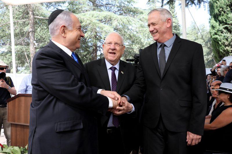 Israel: Netanyahu şi Gantz au semnat acordul pentru un guvern de uniune naţională