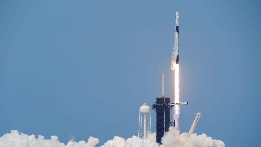 NASA și SpaceX lansează prima misiune americană cu echipaj în spațiu după 10 ani (video)