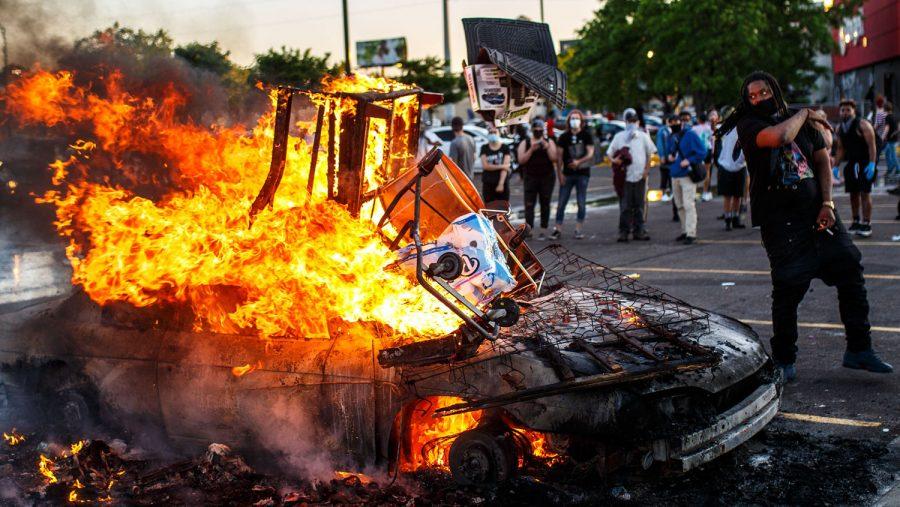 Analiză WSJ: În ce măsură seamănă protestele din SUA cu Revoluția Bolșevică