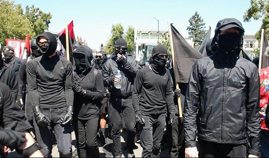Donald Trump va desemna mișcarea anarhistă Antifa drept organizație teroristă