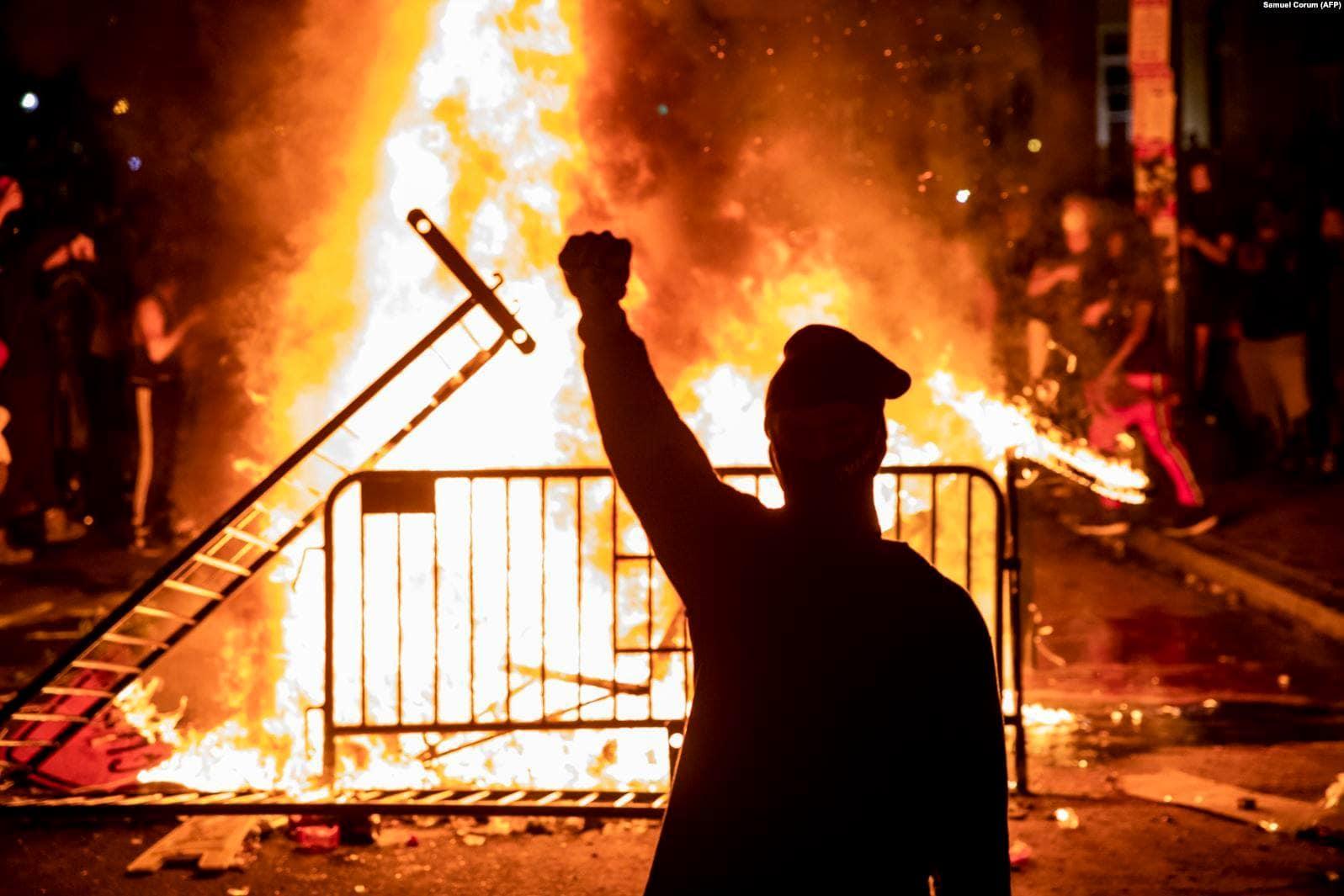 Invazia Barbarilor Manciurieni – Despre bolșevismul cultural și politic al postmodernismului revoluționar al stângii