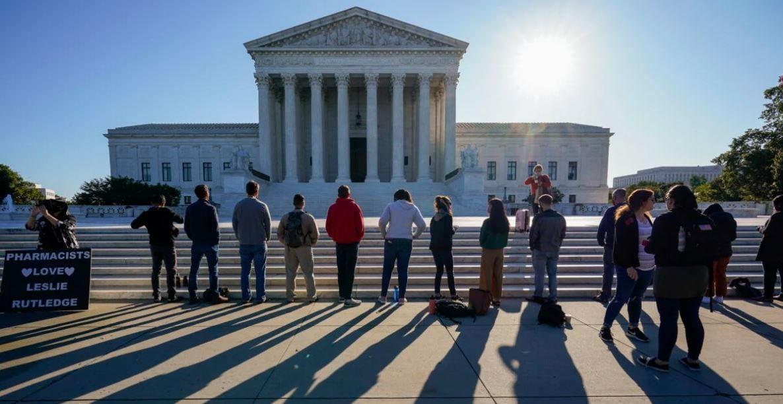 Doi judecători atacă decizia Curții Supreme din SUA pe problema căsătoriilor homosexuale