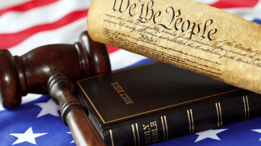 Illinois: Instanța decide că asistenții medicali pot primi despăgubiri triple în baza Legii Dreptului la Conștiință