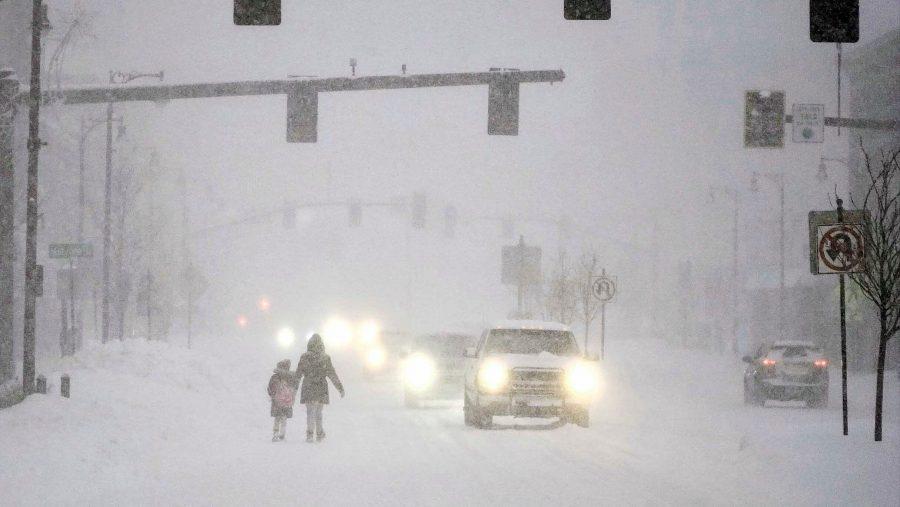 O furtună majoră de zăpadă produce întreruperi de curent pe coasta de est a SUA