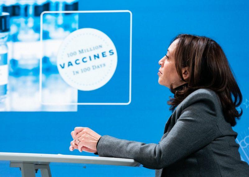 Vaccinarea ar trebui să producă o revenire la normal, dar statele democrate și birocrații se asigură că asta nu se va întâmpla