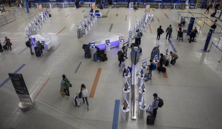 """COVID-19: SUA vor emite recomandări """"nu călătoriți"""" pentru 80% din țări"""