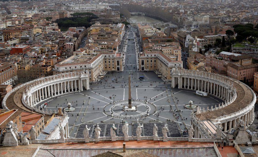 Conservatori creștini catolici critică dur Ambasada SUA la Vatican pentru arborarea steagului LGBT