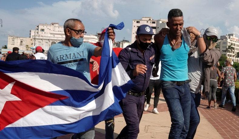 """Black Lives Matter acuză embargoul """"crud"""" al SUA pentru criza din Cuba, nu regimul comunist cubanez"""