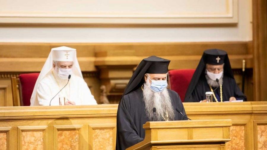 """Sfântul Sinod al BOR a luat act cu îngrijorare de încercările de implementare a """"educaţiei sexuale"""", cu caracter obligatoriu în învăţământ"""