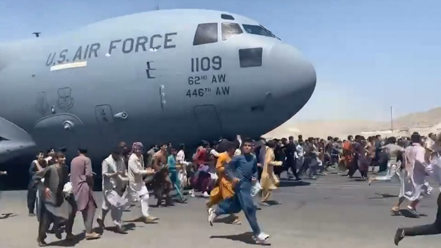 Nu, Biden nu poate da vina pe Trump pentru eșecul retragerii din Afganistan