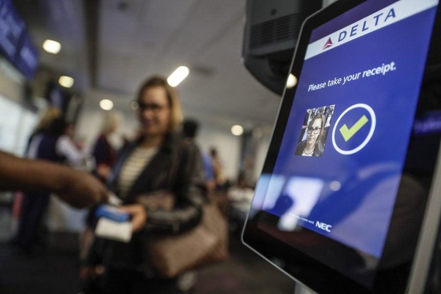 Delta Air Lines permite guvernului chinez să colecteze informațiile biometrice ale pasagerilor străini