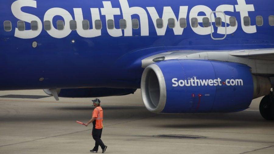CEO Southwest: Biden este de vină pentru mandatul de vaccinare impus companiilor aeriene