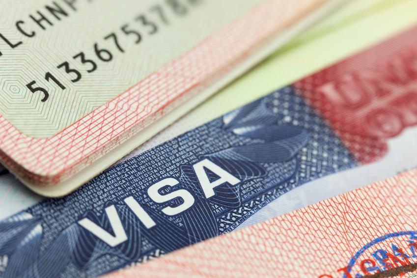 SUA intenționează să elimine vizele pentru români