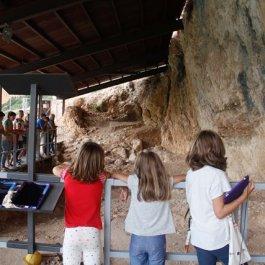 Visita guiada amb tauletes digitals al jaciment de la Roca dels Bous