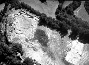 Imatge aèria del jaciment del Serrat del Moros de la Codina (Pinell, Solsonès)