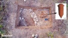 3. Vista de conjunt de les 3 àmfores ibèriques esclafades en el recinte documentat del segle III aC