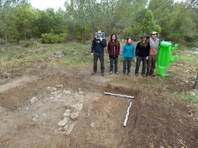 Foto de l'equip de persones voluntàries participants a l'excavació al Puig del Cocodril de Subirats