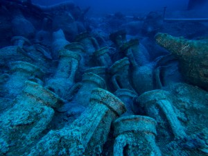 8. Àmfores del jaciment de Bou Ferrer. Fotografia: José Antonio Moya. Universitat d'Alacant