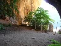 Vista de la cova del Tabac des de dins