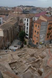 1. Restes d'una casa de la Cuirassa (barri jueu de Lleida) incendiada durant els incidents del Pogrom de 1391. Fotografia: Arxiu Arqueològic de l'Ajuntament