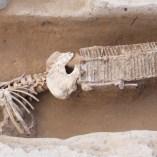 2. Soldat que havia estat atès a l'hospital de Pernafeites abans de morir, on li van col·locar una fèrula de kramer per immobilitzar-li les cames. Fotografia: Iltirta Arqueologia