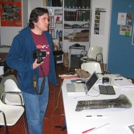 6-Estudi dels materials extrets al jaciment paleontològic de Molí del Baró, terme d'Isona i Conca Dellà (Pallars Jussà). Fotografia: Institut Català de Paleontologia Miquel Crusafont