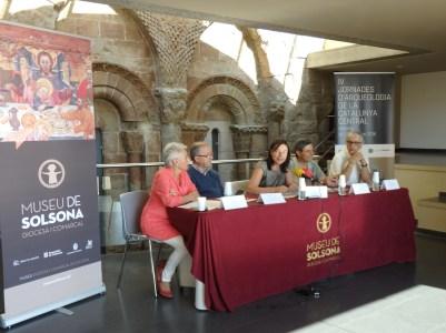 Moments de la roda de premsa que va tenir lloc el passat dimarts 4 d'octubre al Museu Diocesà i Comarcal de Solsona per presentar als mitjans de comunicació les IV Jornades d'Arqueologia de la Catalunya Central