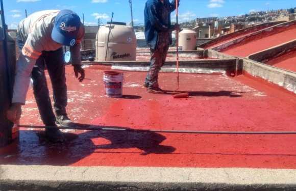 Dan mantenimiento al mercado Francisco González León