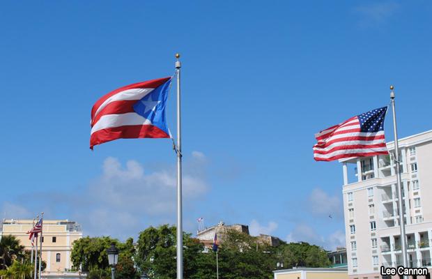 20120202-puertorico-usa-flags