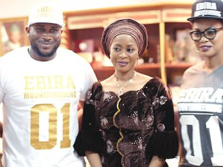 Members of the Father's House Foundation with the wife of the Ogun State Governor, Mrs Olufunso Amosun.