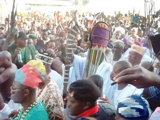Ooni Ogunwusi amidst traditional rulers and the people of Ife during Olojo festival.