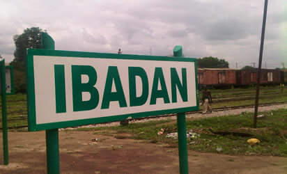 Again, hoodlums unleash terror on Ibadan community, 50 shops, 8 cars destroyed