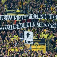 Fanúšikovia BVB proti diskriminácií, na Westfallenstadion aaj všade inde! BVB Borussia Dortmund, Dortmund, Nemecko