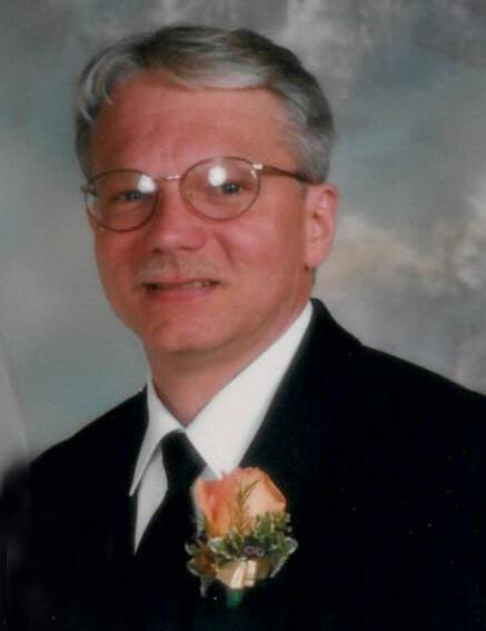 Van Dyk Duven Funeral Home : duven, funeral, Bradley, Nelson, Obituary, Pella,, Dyk-Duven, Funeral, Tribute, Archive