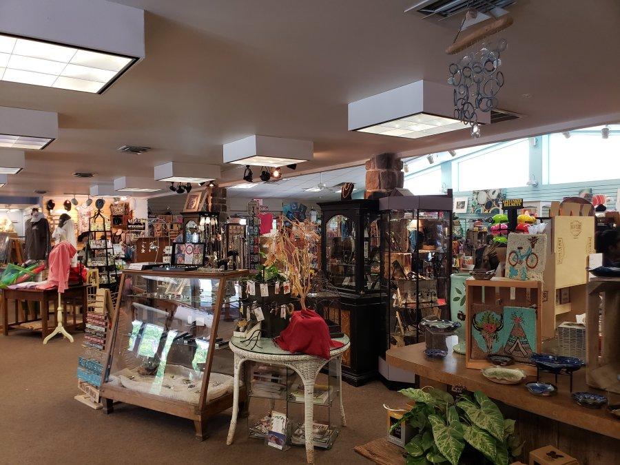 Indian Echo Caverns shopping store