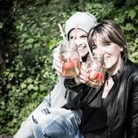 [von und mit: änky] maipicknick mit äpplerbowle, spargel sandwiches mit grüner sauce, waldmeister panna cotta & ganz viel freude!