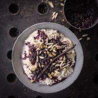 hirse porridge mit mandelmilch, vanille und blaubeer ragout - so gesund und lecker kann frühstück sein!