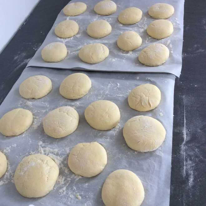 Batbouts pains maison à la semoule