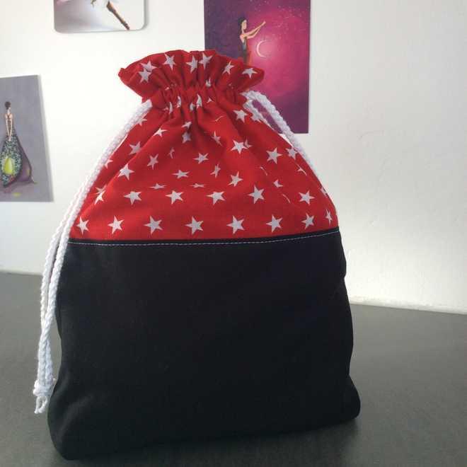Pochon étoiles emballez vos cadeaux