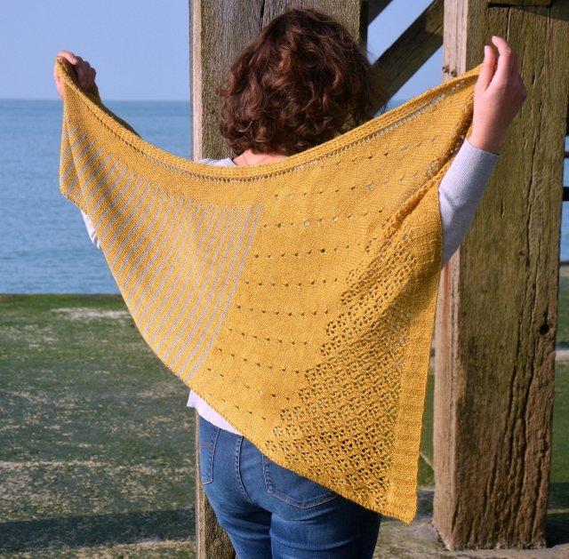 châle tricot Danio modèle de patron tricot sur Ravelry