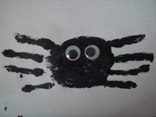 паук из ладошек