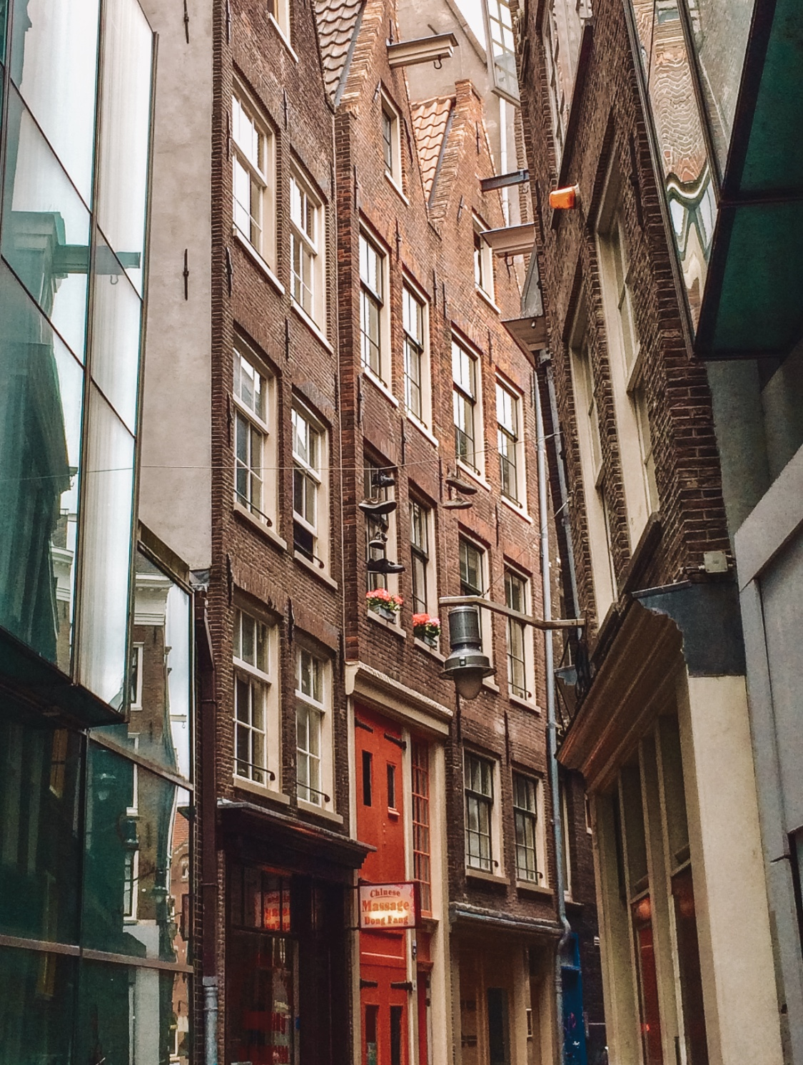 Things to do in Amsterdam - explore the narrow alleys